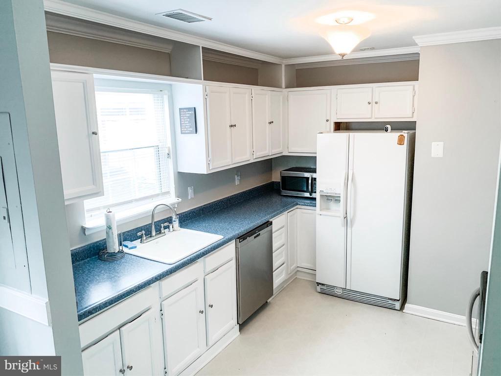 Kitchen - 8627 ANNA CT, MANASSAS PARK