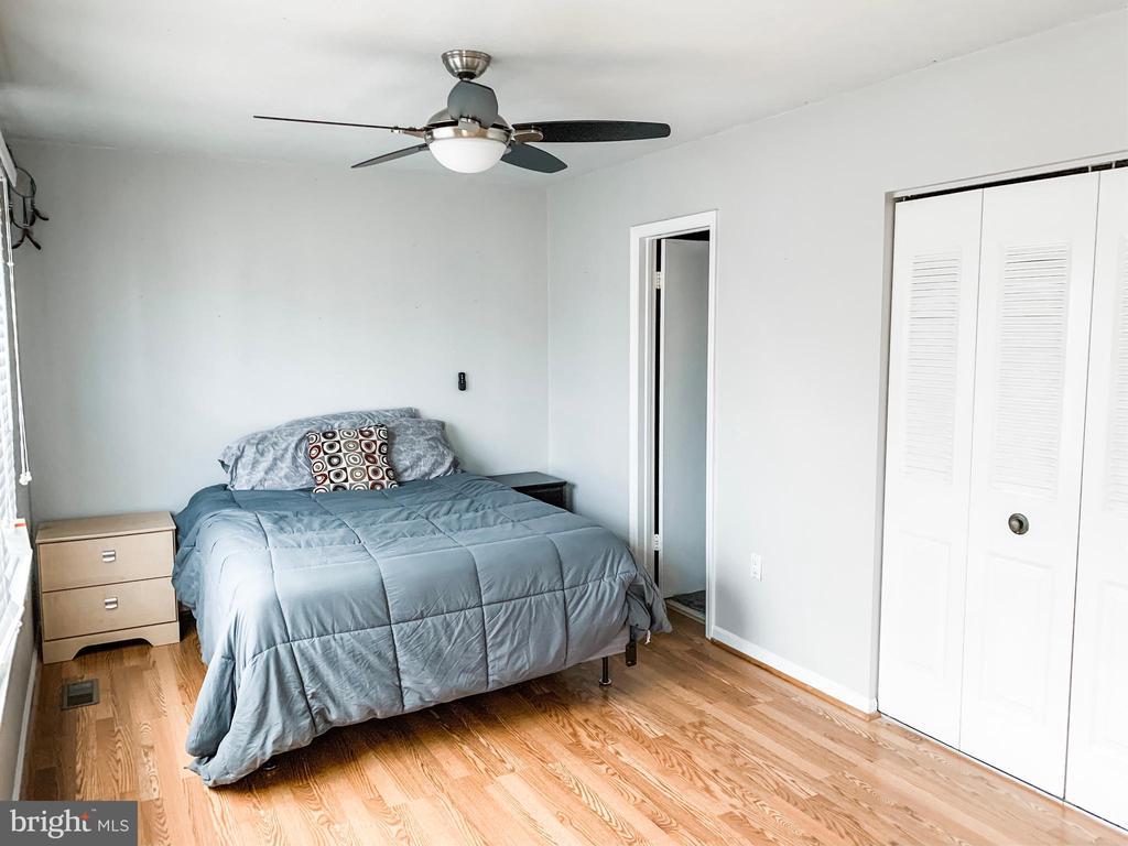 Master Bedroom - 8627 ANNA CT, MANASSAS PARK