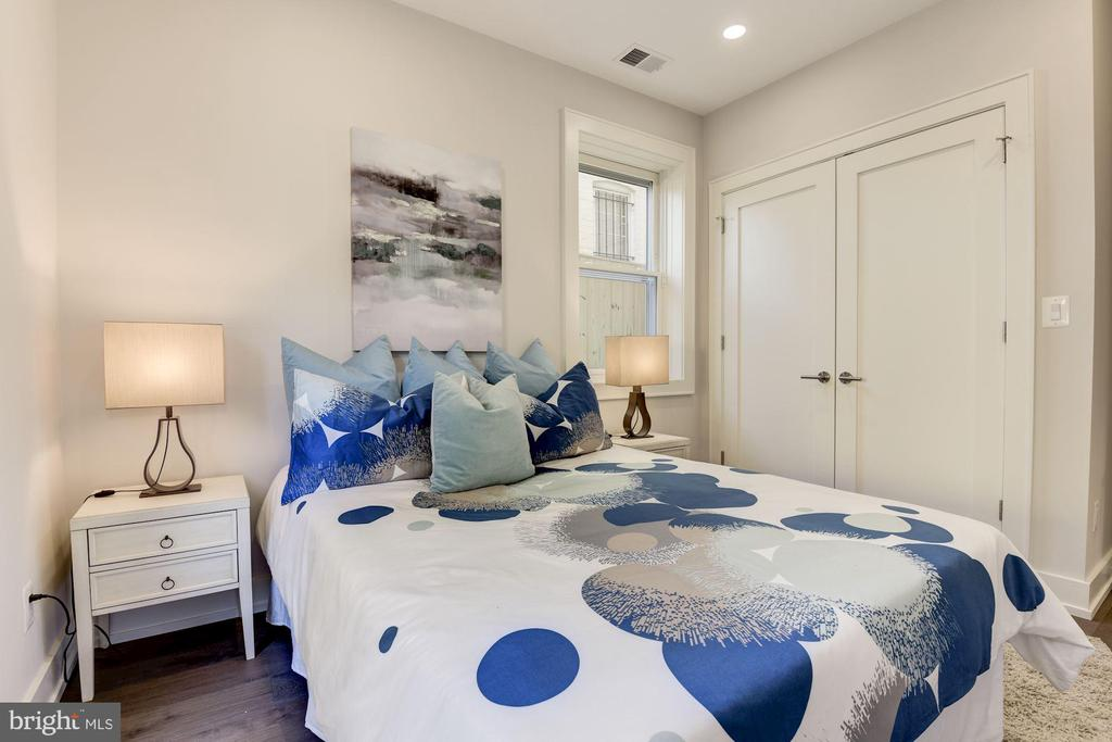 2nd Bedroom - 417 4TH ST SE #2, WASHINGTON