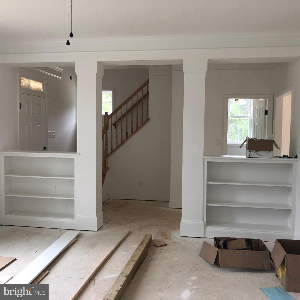 Built in bookcases in Living Room - 29366 OLD OFFICE ROAD, RHOADESVILLE