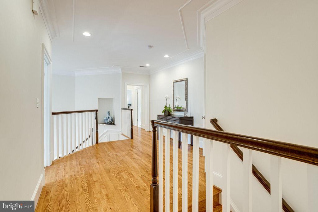 Hardwoods Upper Lvl Landing Front & BackStaircases - 7357 NICOLE MARIE CT, MCLEAN