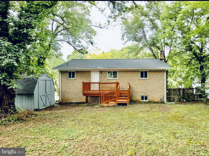 - 6009 LADD RD, SUITLAND