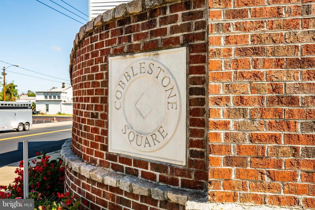 Cobbblestone Entrance - 621-209 COBBLESTONE BLVD #209, FREDERICKSBURG