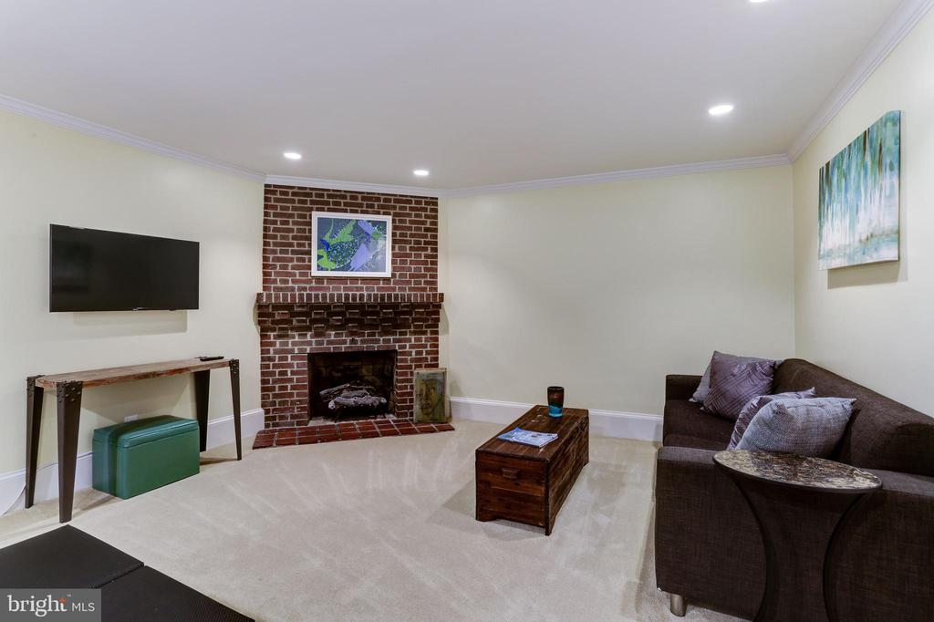The In-Law  suite has a wood burning fireplace. - 1410 15TH ST NW, WASHINGTON