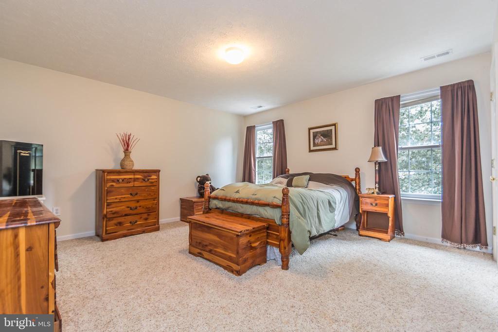 Bedroom 2- LARGE- His & Her Closets - 9402 BRAKEN CT, FREDERICKSBURG