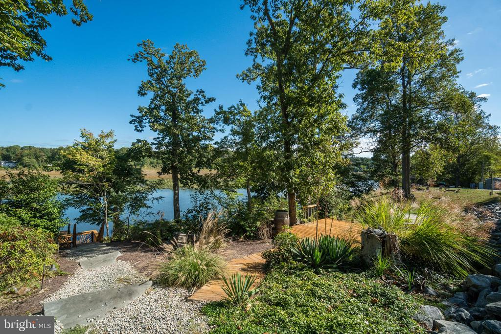 Just off the Aquia Creek Channel - 31 LAUREL HAVEN DR, STAFFORD