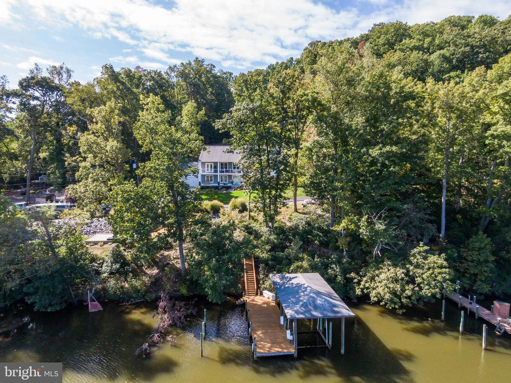 Dock with Covered Boat Slip and Electric Boat Lift - 31 LAUREL HAVEN DR, STAFFORD