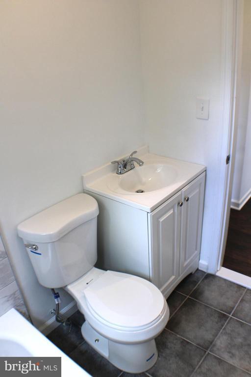 Bathroom - 4703 BEAUFORD RD, MORNINGSIDE