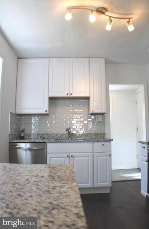 Kitchen - 4703 BEAUFORD RD, MORNINGSIDE