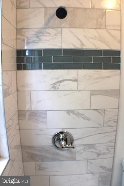 Shower - 4703 BEAUFORD RD, MORNINGSIDE