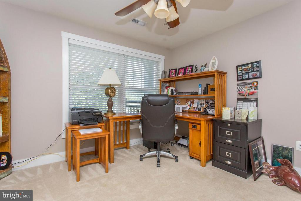 Bedroom Four on Lower Level used as office - 31 LAUREL HAVEN DR, STAFFORD