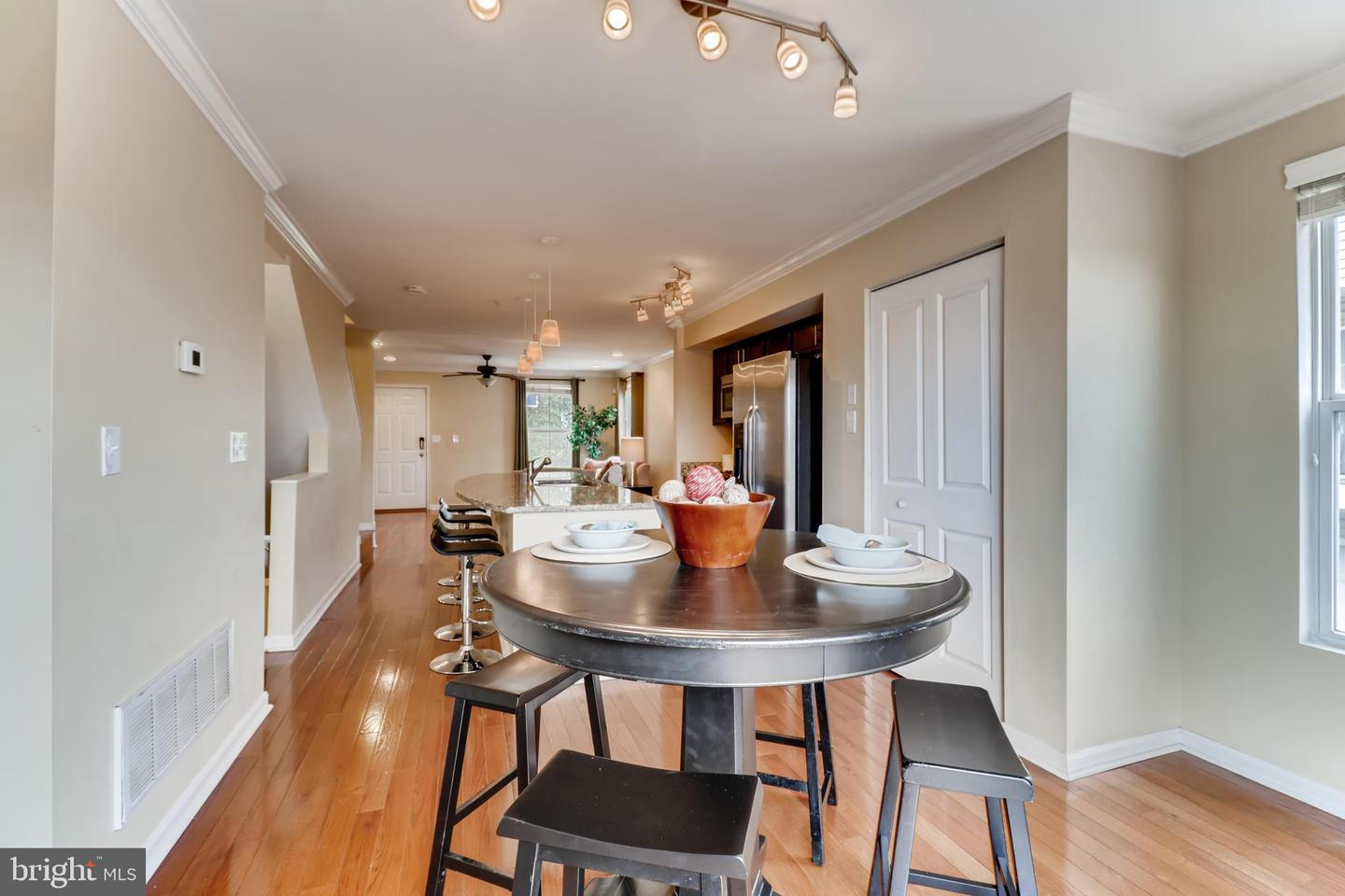 Additional photo for property listing at  Baltimore, メリーランド 21224 アメリカ