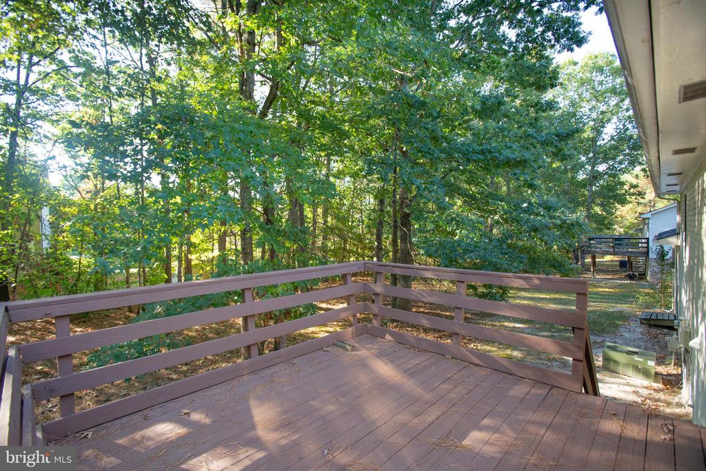Deck - 5412 LEAVELLS CROSSING DR, FREDERICKSBURG