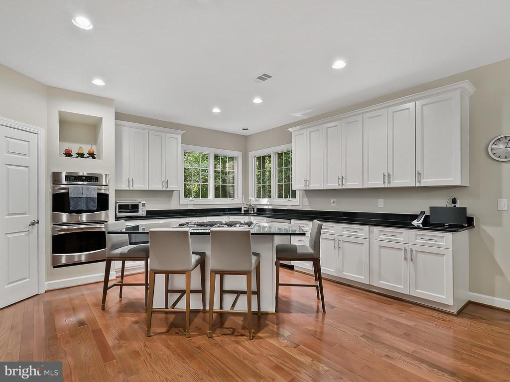 - 10308 REGENCY STATION DR, FAIRFAX STATION