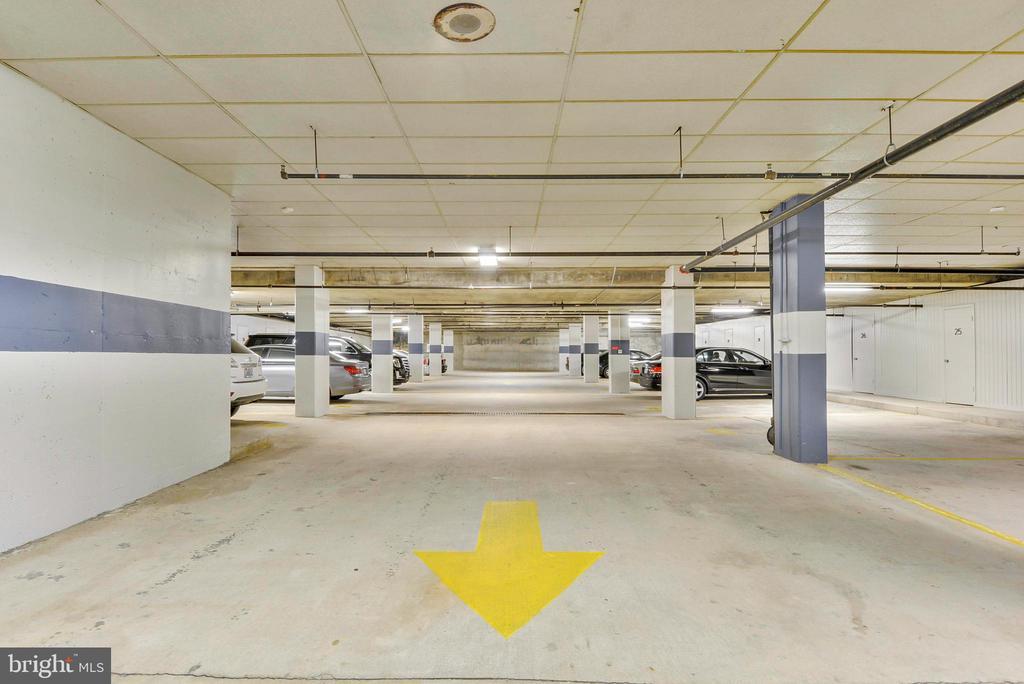 Parking garage  2 Spaces convey - 1401 N OAK ST #307, ARLINGTON