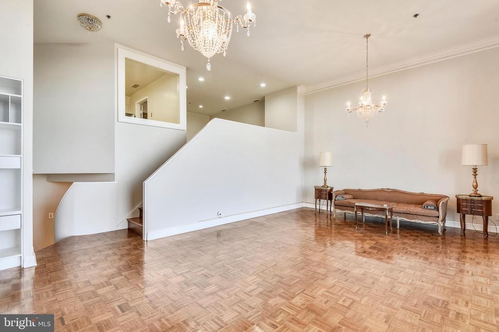 Living room - 1401 N OAK ST #307, ARLINGTON