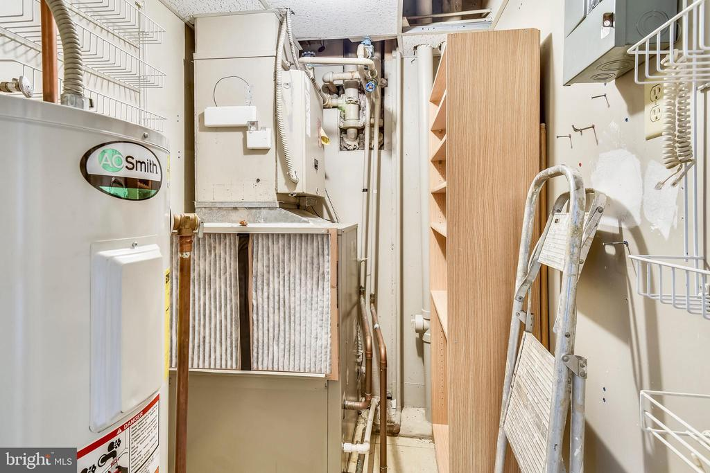 Utility closet - 1401 N OAK ST #307, ARLINGTON