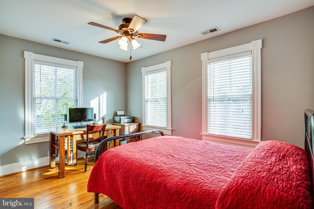 Bedroom #1 - 1109 DOUGLAS ST, FREDERICKSBURG