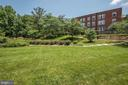 Lots of green space in the interior courtyard - 2100 LEE HWY #224, ARLINGTON