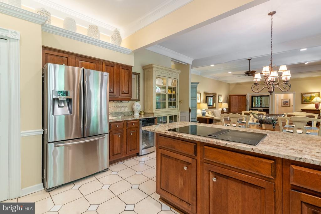 - 8512 CATHEDRAL FOREST DR, FAIRFAX STATION