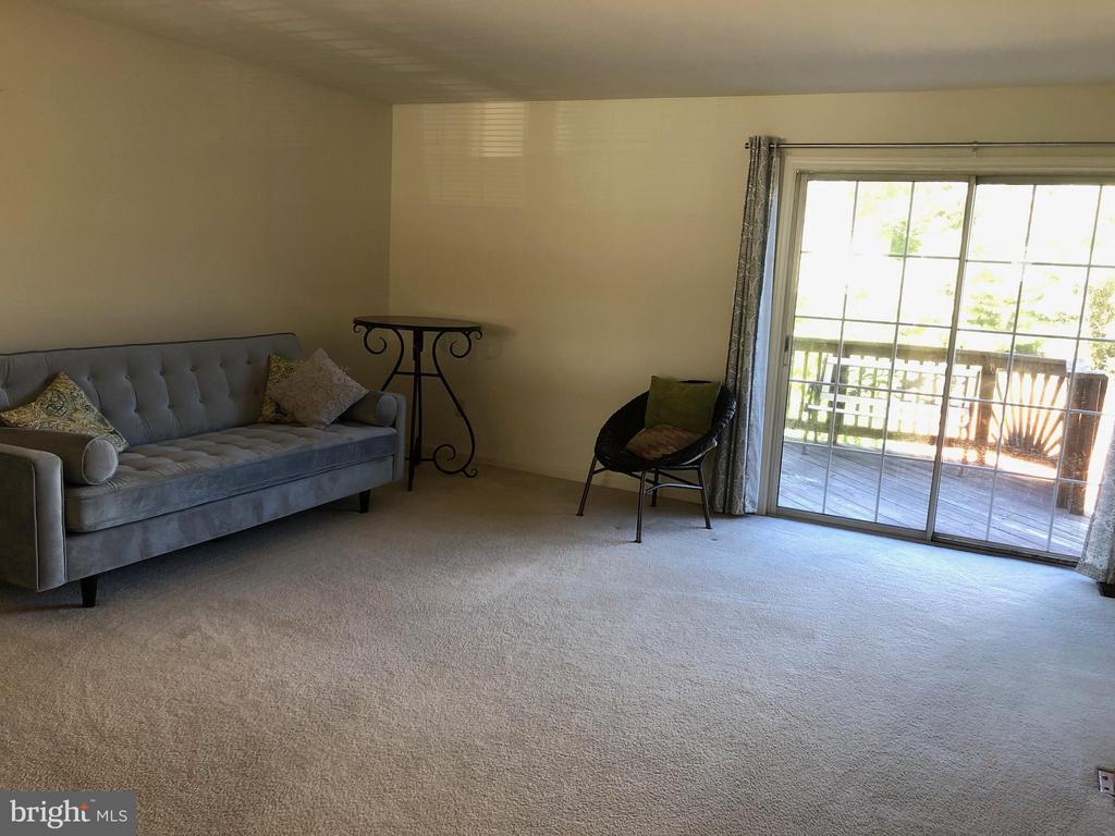 2nd level / Living Room - 205 BACKRIDGE CT, FREDERICKSBURG