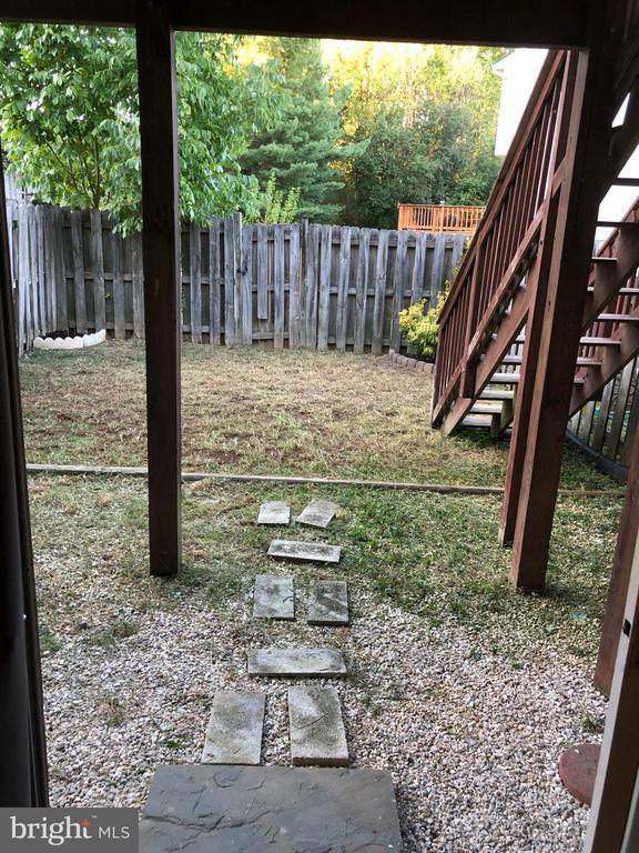 Yard access from basement - 205 BACKRIDGE CT, FREDERICKSBURG