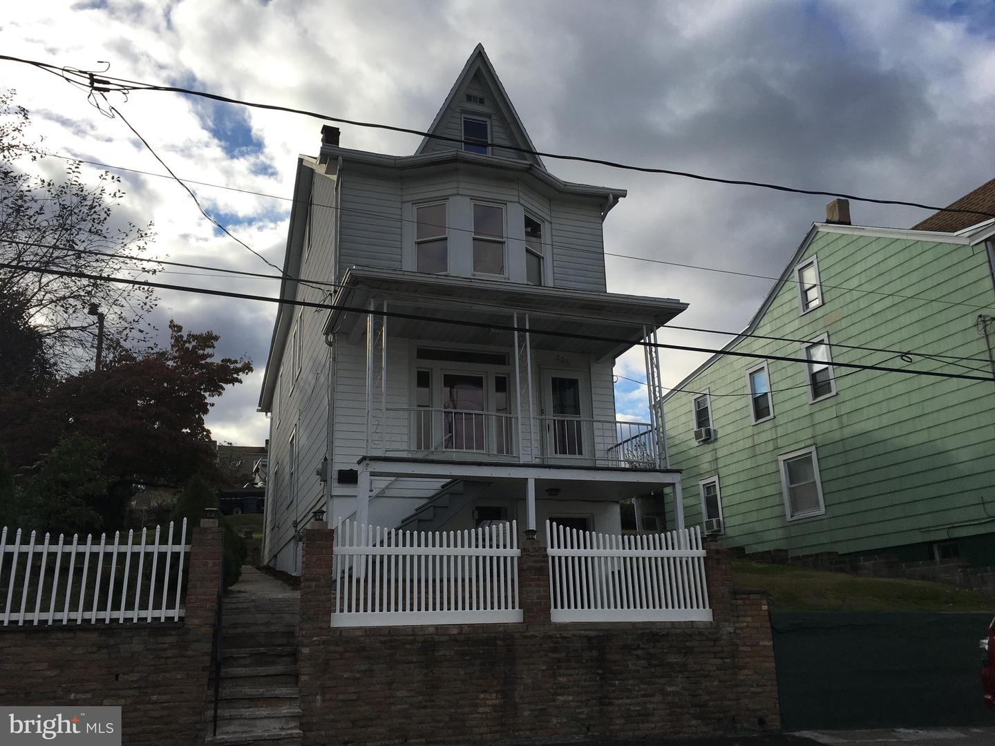 Single Family Homes للـ Sale في St. Clair, Pennsylvania 17970 United States