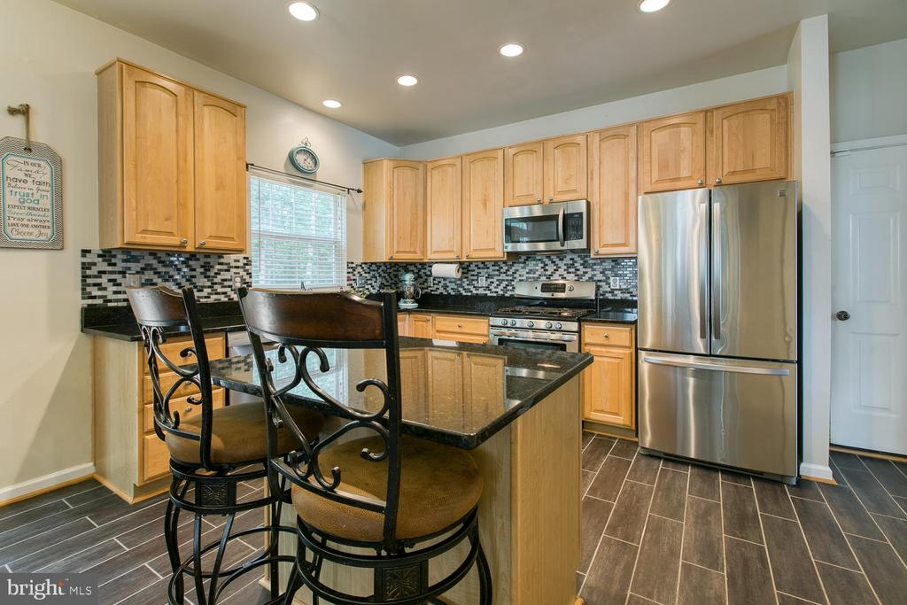 Kitchen Island with Room for Bar Stools - 7 EMERALD DR, FREDERICKSBURG