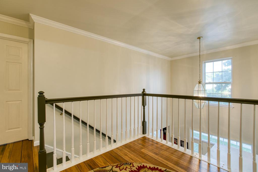 Large Upstairs Landing with Bamboo Flooring - 7 EMERALD DR, FREDERICKSBURG