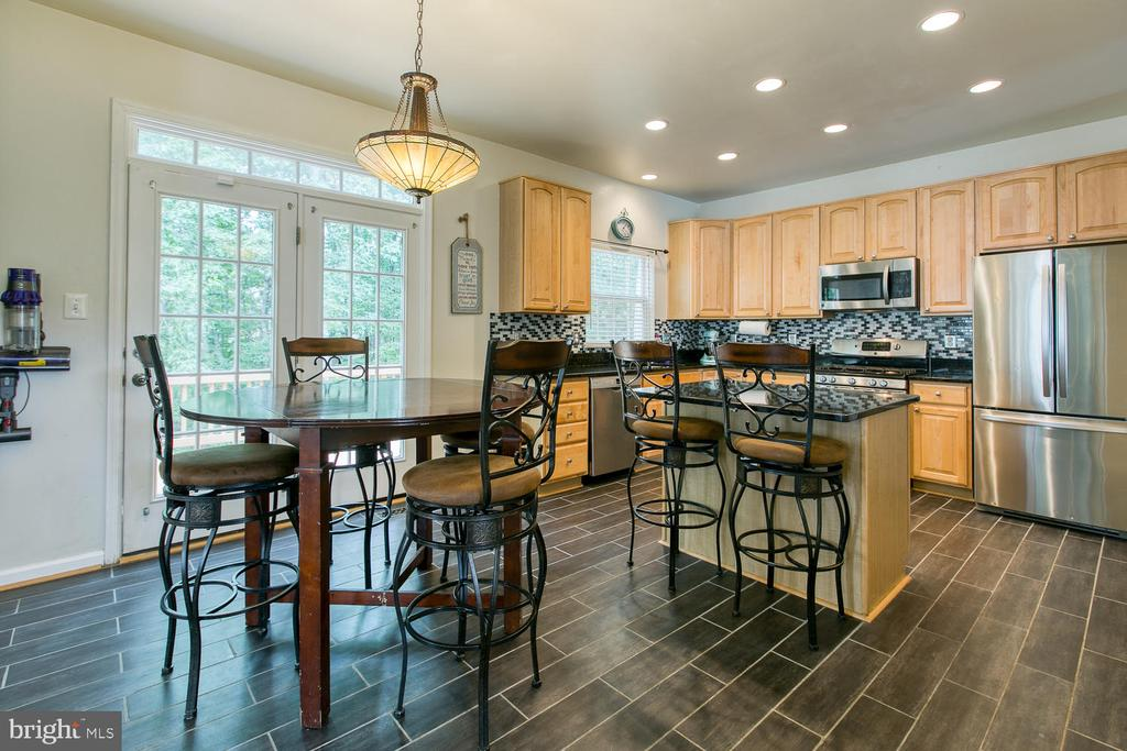 Large Eat In Kitchen - 7 EMERALD DR, FREDERICKSBURG