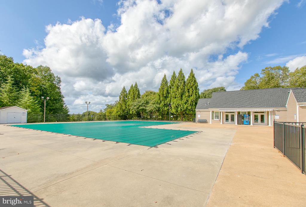 Community Pool - 7 EMERALD DR, FREDERICKSBURG