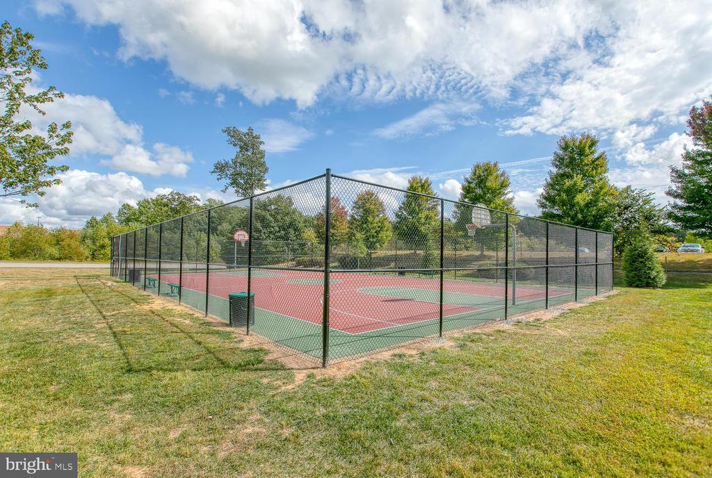 Community Sport Court - 7 EMERALD DR, FREDERICKSBURG