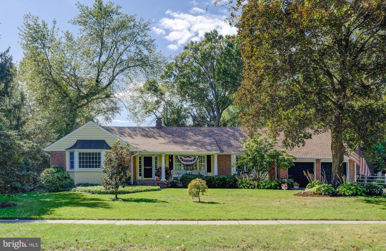 Single Family Homes 为 销售 在 Haddon Heights, 新泽西州 08035 美国