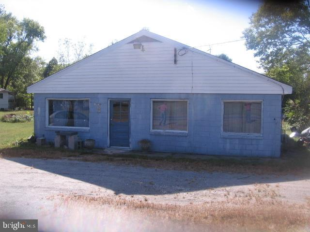 Photo of the commercial building - 13258 FARMER DR, WOODFORD