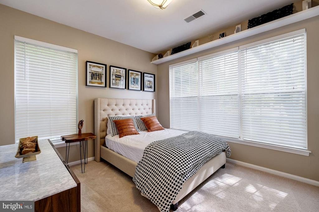 The second largest bedroom is lovely. - 7706 HAYNES POINT WAY #D, ALEXANDRIA