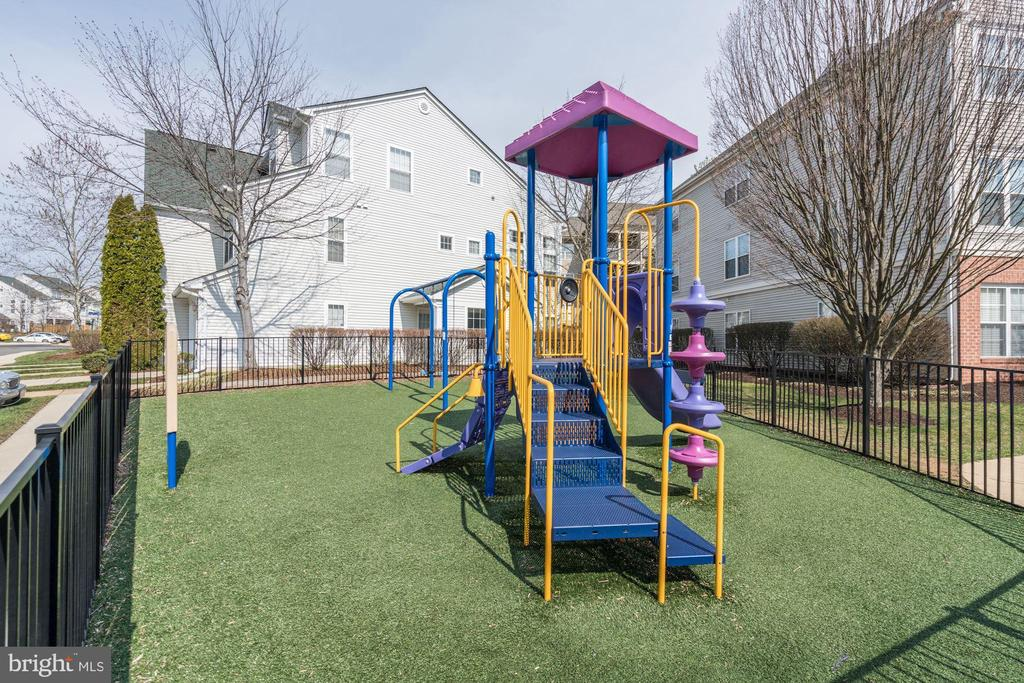 A playground for kids! - 7706 HAYNES POINT WAY #D, ALEXANDRIA