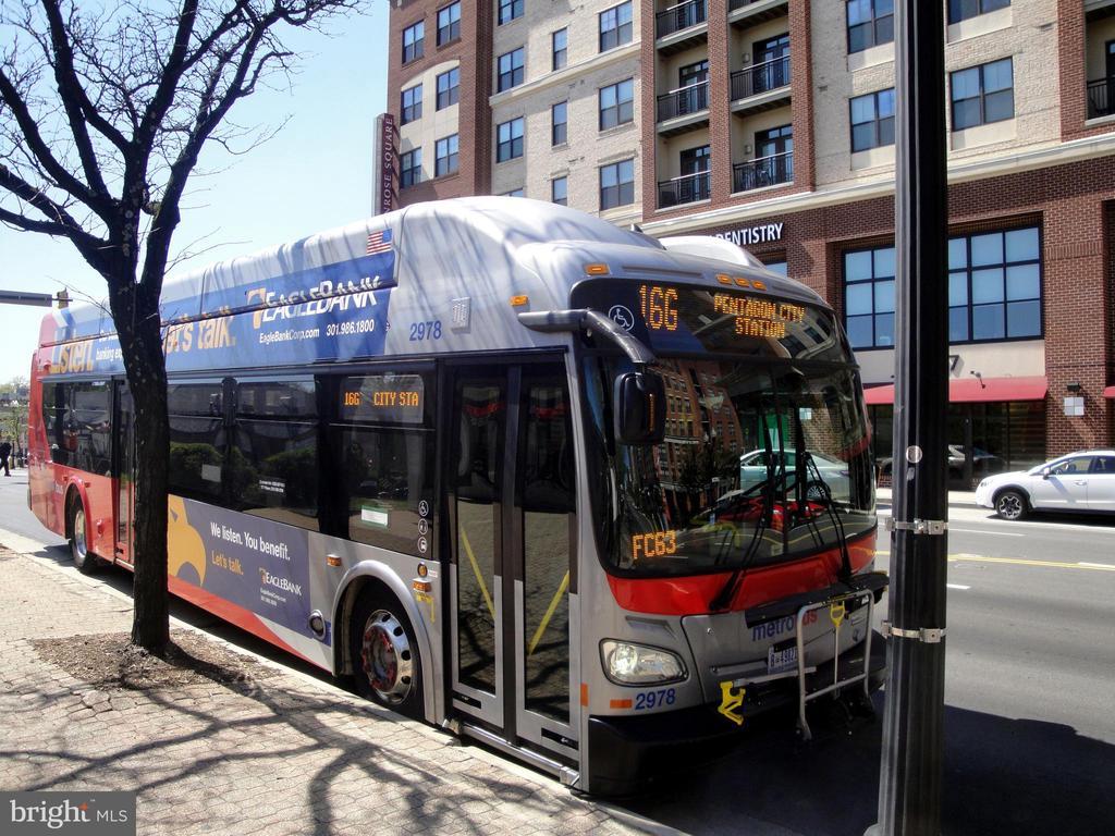 Good public transportation on Col Pike - 1100 S BARTON ST S #292, ARLINGTON