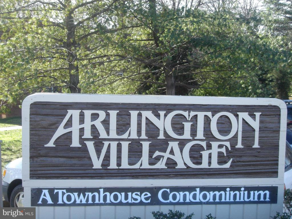 Arl Village - a great place to call home! - 1100 S BARTON ST S #292, ARLINGTON