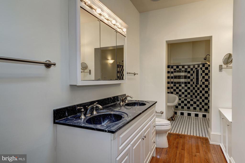 Master Bathroom - 2021 N ST NW, WASHINGTON