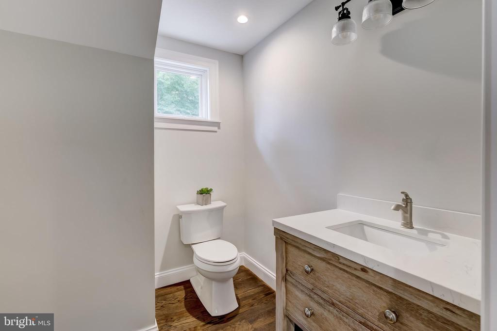 Guest Suite Bath - 416 GARRISON FOREST RD, OWINGS MILLS