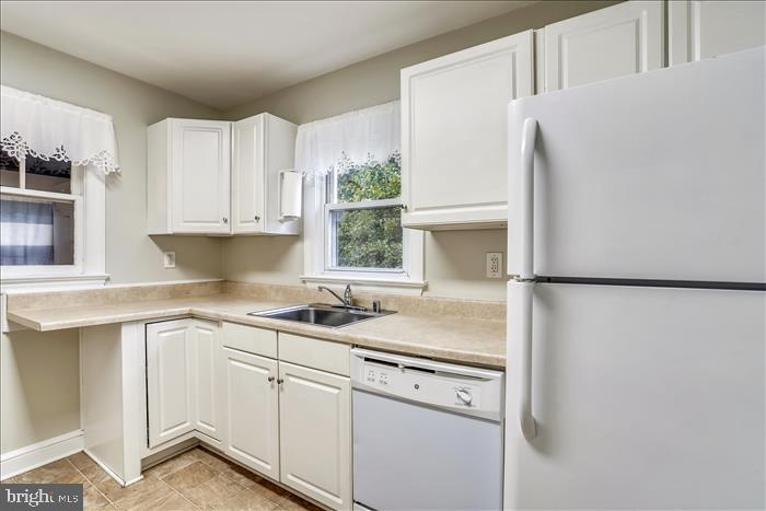 Lovely kitchen with window over the sink. - 508 CARROLL AVE, MOUNT AIRY