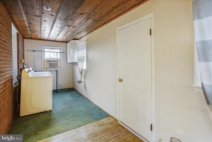 Rear enclosed porch/laundry area. - 508 CARROLL AVE, MOUNT AIRY