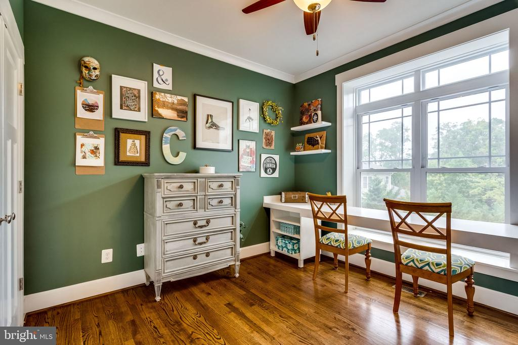 Lovely little workspace for two or more - 5720 OAK HILL PL, ALEXANDRIA
