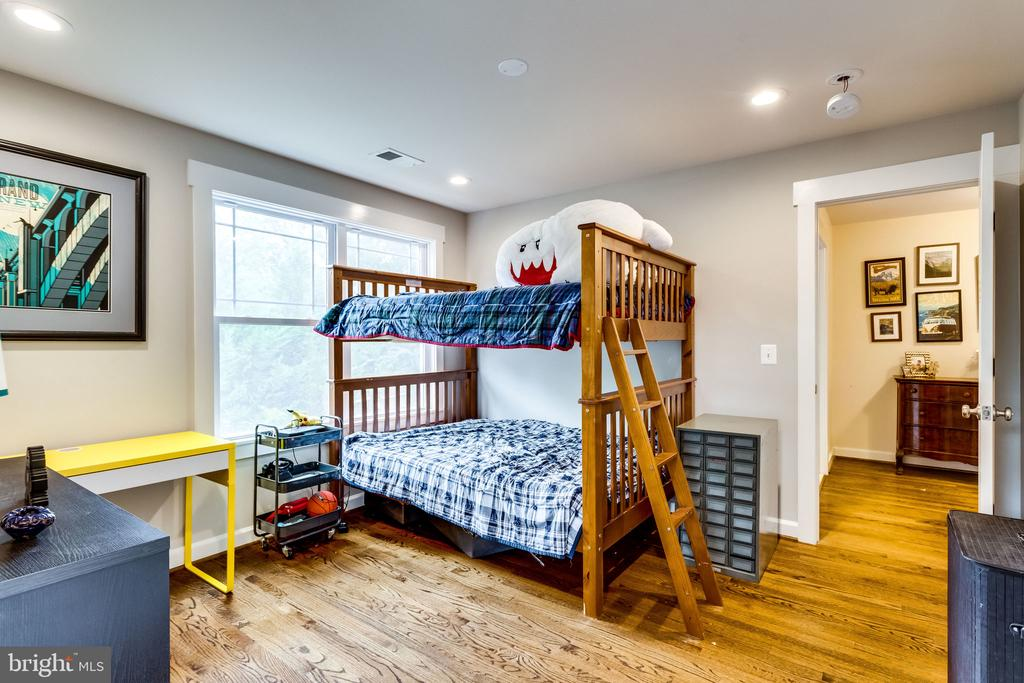 Room for bunk beds and more - 5720 OAK HILL PL, ALEXANDRIA