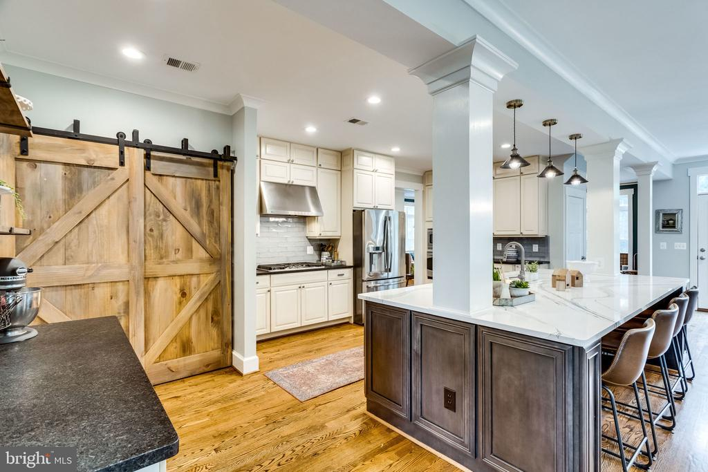Barn door perfection for your pantry - 5720 OAK HILL PL, ALEXANDRIA