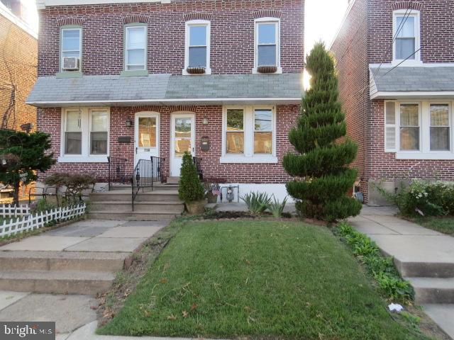 Single Family Homes for Sale at Crum Lynne, Pennsylvania 19022 United States