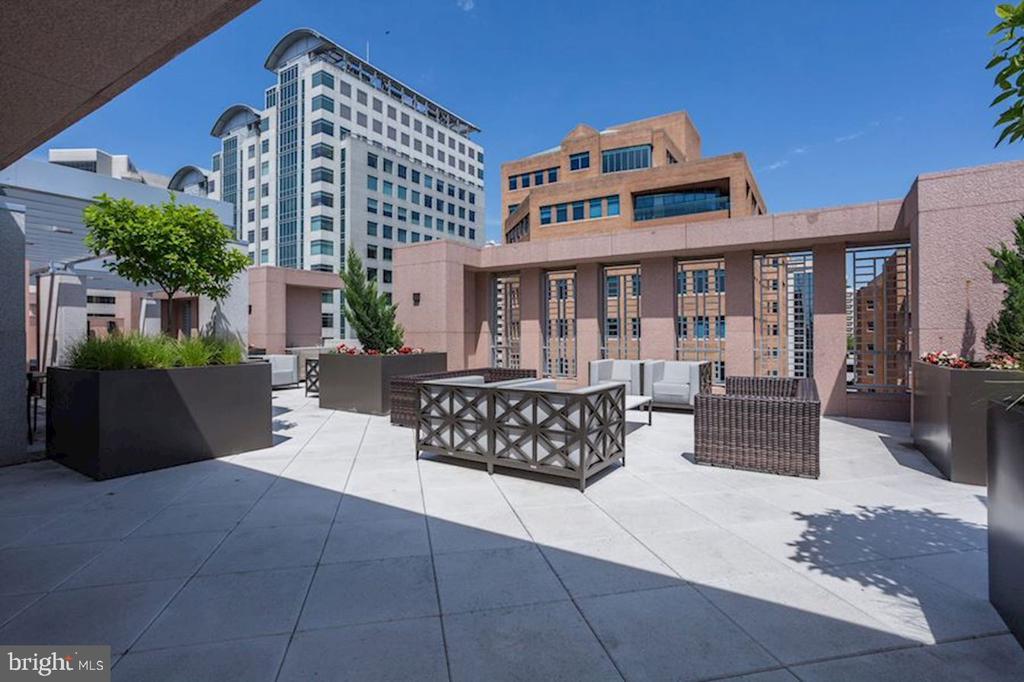 Serene Roof Top Terrace - 4901 HAMPDEN LN #602, BETHESDA