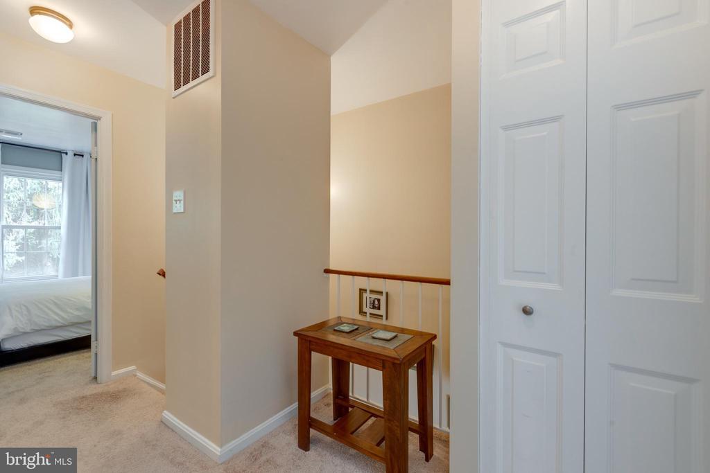 Upper level hallway - 4449 HOLLY AVE, FAIRFAX