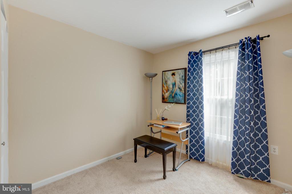 3rd bedroom - 4449 HOLLY AVE, FAIRFAX