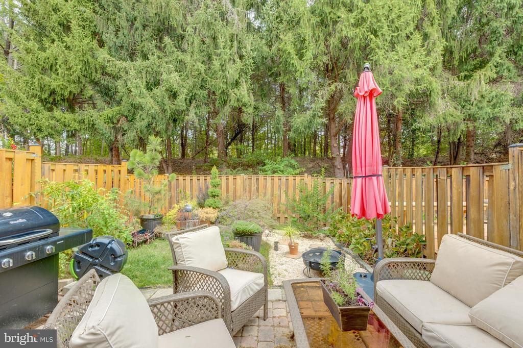 Perfect for entertaining and for children and pets - 4449 HOLLY AVE, FAIRFAX